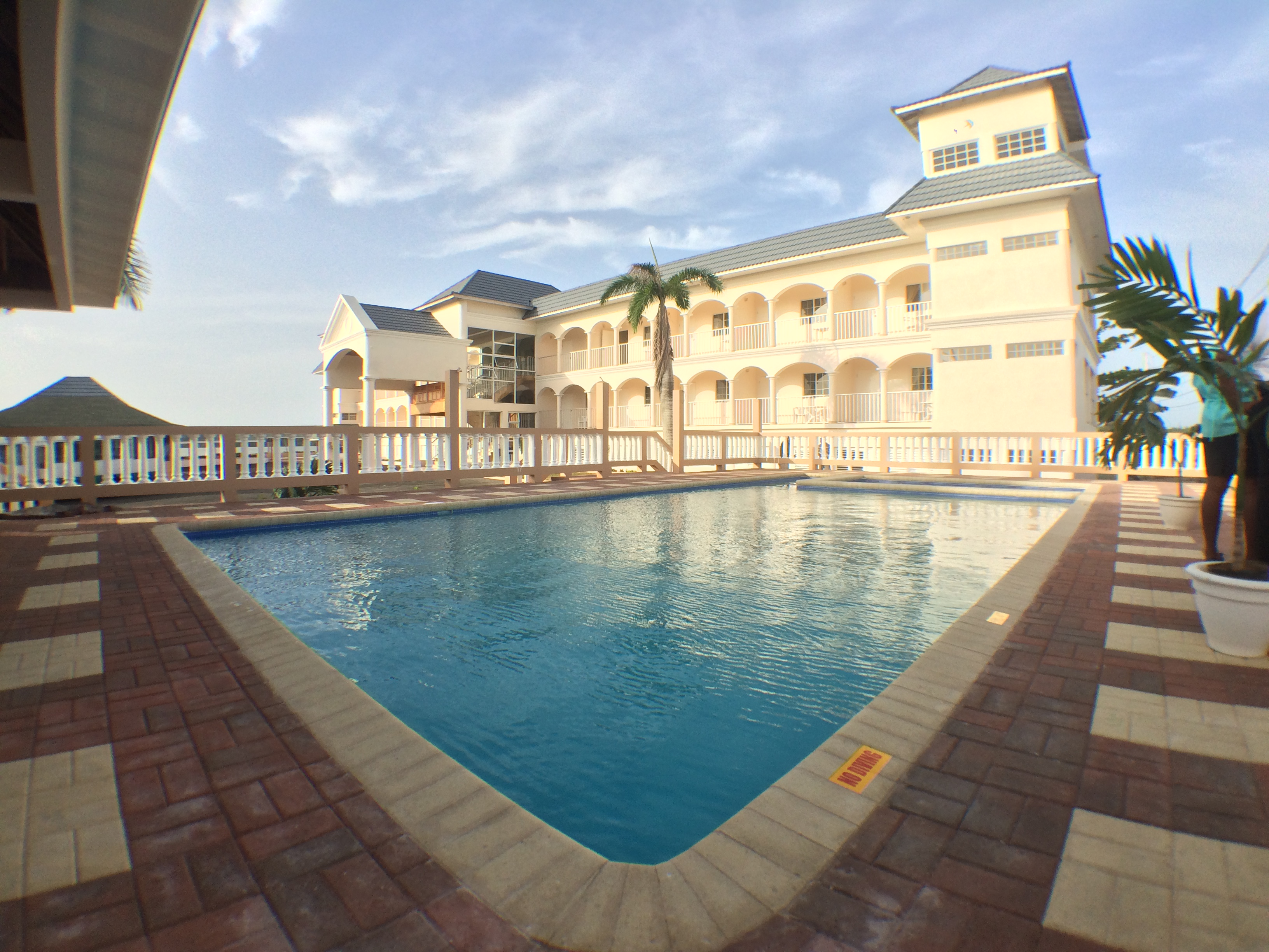 Glistening Waters Hotel & Pool